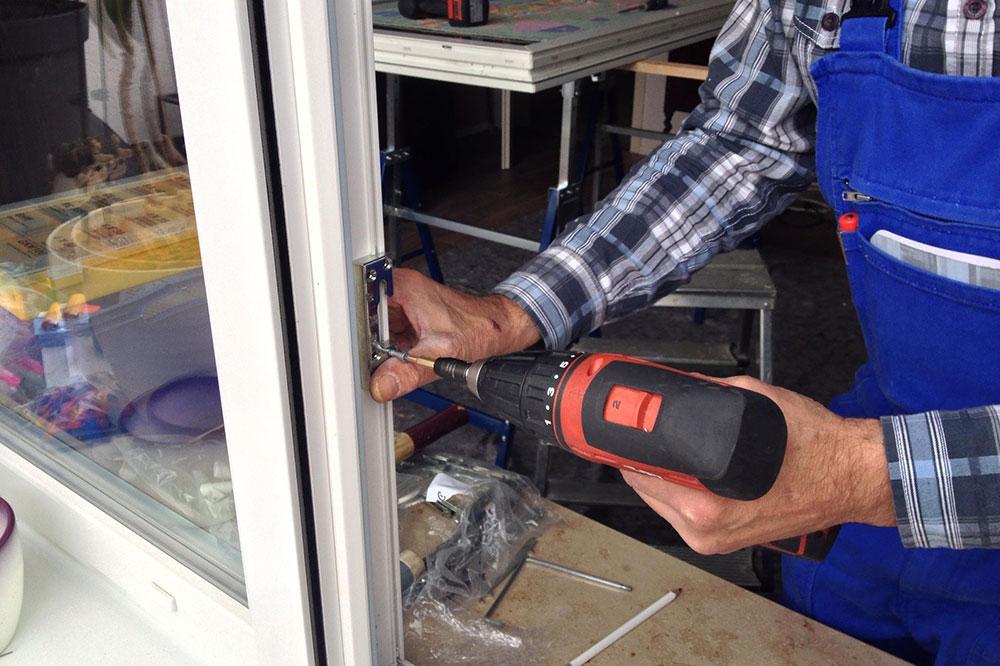 Fenster Reparatur nach einem Einbruch