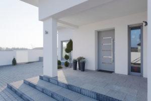 Individuell gefertigte Haustür